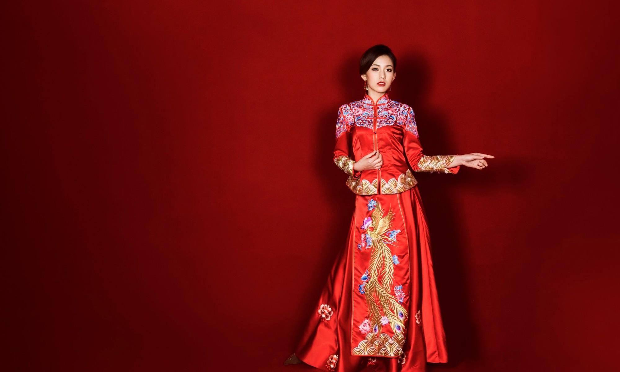 中式龍鳳褂,中式婚紗,中式婚紗推薦,龍鳳褂推薦,中式禮服出租,中式婚紗訂製,秀禾服出租,龍鳳褂款式,秀禾服,龍鳳褂